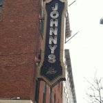 Looking for Johnny Manziel. First stop, Johnnys. He wasnt there. Wheres Johnny?@19ActionNews http://t.co/XrGzrCnAol