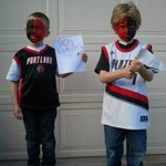 RT @BradKATU: Game 2 #RipCity. Show your pride using the hashtag #LiveOnK2 Well share your pics on the air. #Blazers #NBAPlayoffs http://t.co/1ZAvNT8pGF