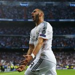HT Real Madrid 1-0 B.Munich. Bayern dominate possession but Real lead via a Karim Benzema goal http://t.co/VCuK73l0Et http://t.co/jDwF7usqAX