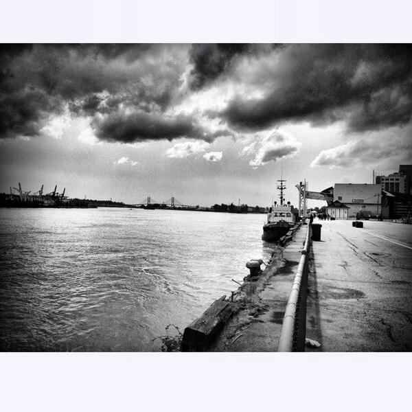 Storms light #fraserriver #newwestminster #newwest #BlackAndWhite #photography http://t.co/uQttMNA3oB