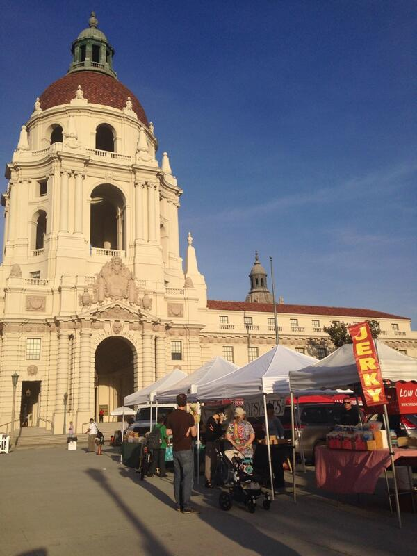 What a beautiful day for #farmersmarket at City Hall Pasadena @EnjoyPasadena http://t.co/DfQNJquVqu