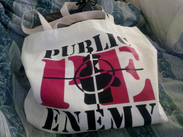 Can't travel w/o PUBLIC ENEMY @MrChuckD #HipHopGodsTourSouvenir #HipHopTote #AYDS http://t.co/w6QVlrkdAV