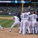 RT @Mariners: VIDEO: Kyle walks it off with his second home run of the game. http://t.co/mRm81ySdF4 #Walkoff http://t.co/M20tTZMn5N