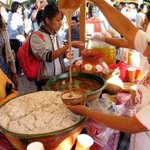 Tejate, tradicional bebida de #Oaxaca elaborada a base de maíz. #TwitterOax,#México,#Turismo http://t.co/RtHSoJss0Q