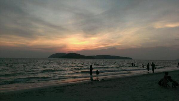 Good night, people! Sunset at Cenang Beach, Langkawi, Malaysia. Taken just now. #lp #travel #roadtrip