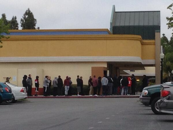 @sneakersteal gilroy nike outlet right now http://t.co/dVaPjSykT6