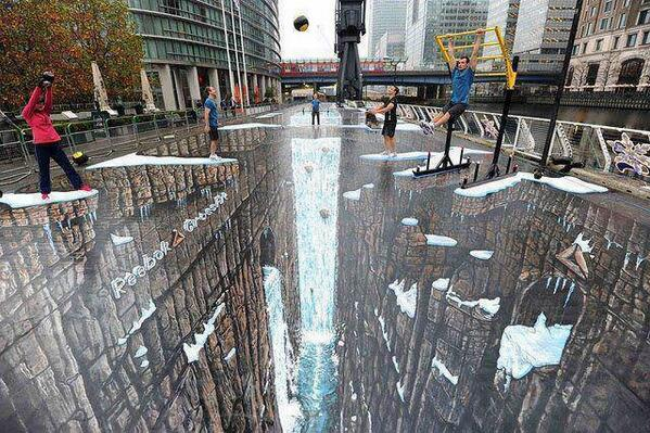 The world's largest 3D street painting: http://t.co/EqfqtVCnSV