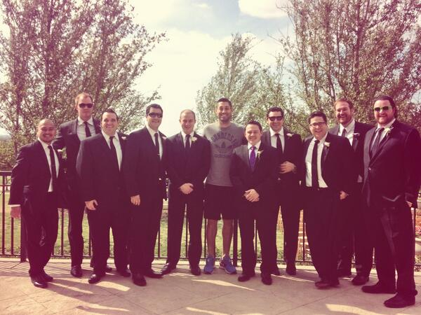 Can't take @clint_dempsey anywhere! Deuce taking a photo with a wedding party at the #Sounders' hotel. What a guy! http://t.co/y6RTUNXobm