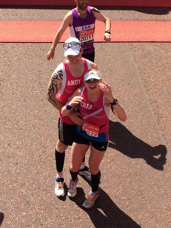 A proposal at the #LondonMarathon & she said yes! #extramile ^EM http://t.co/nDvKlIPu9J