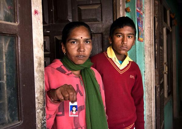 Onze partner heeft vandaag 25 meisjes bevrijd uit een bordeel. Help ons meer meisjes naar hun mama terug te brengen. http://t.co/YSQJ2CyR83