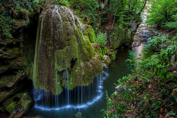 Incredibly beautiful waterfall. #photographs #nature http://t.co/HInQRytaGF #Photo http://t.co/sBcFX5f8D7 RT @MediaRings