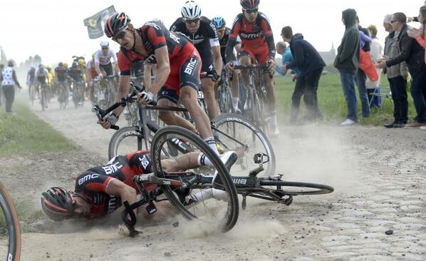 Ouch! Some great #ParisRoubaix photos from Stefano Sirotti in this full-screen gallery: http://t.co/L2spyCegw7 http://t.co/zVIXEdfPDS