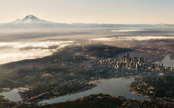 Good morning, #Seattle! Don't forget to remember how lucky we are. (Photo: @incrediblesnaps) http://t.co/hqet5CV2zR