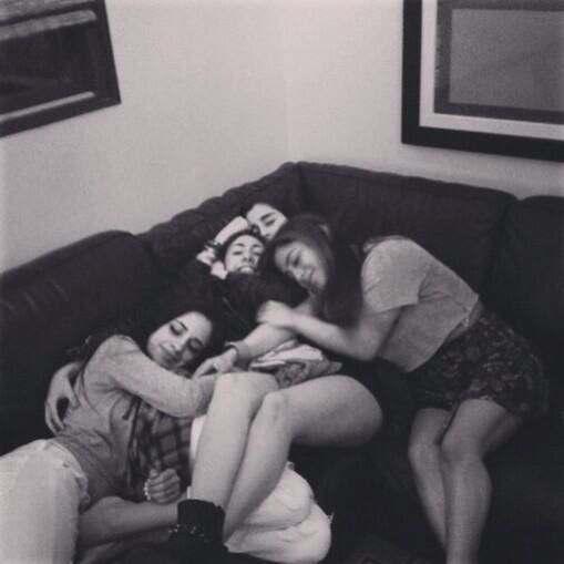 Cuddles with my babesssss @LaurenJauregui @camilacabello97 @AllyBrooke ❤️❤️❤️ http://t.co/4DRHFEu4Sv