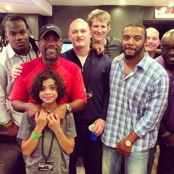 6 Gamecocks & 2 Tigers showin' some luv @MonAfterMasters. @dariusrucker, @cmshaw_14, @tajhb10 & co. #MAM2014 http://t.co/8aJTVyhPT6