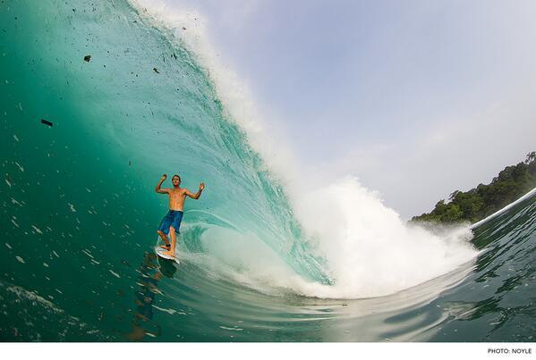 Photo of the Day: Bede Durbidge, Java. Photo: #ZakNoyle #Surfer #SurferPhotos  @BedeDurbidge83 @ZakNoyle http://t.co/4qwcjHAMWx