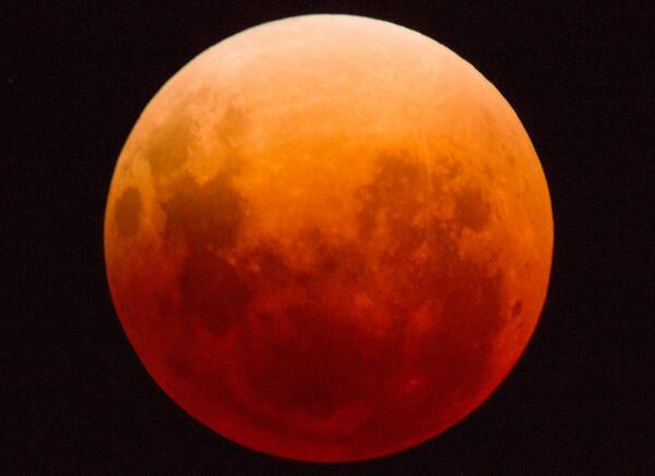 Moon http://t.co/Dn7QdyMB68