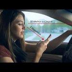 Mirá aquí lo que pasa cuando revisas el celular mientras conduces. http://t.co/bPje5OviQ4
