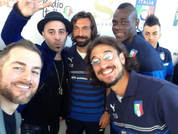 #selfie #unamorecosigrande2014 @RadioItalia  @Negramaro @FinallyMario @pirlo_official @danistone25 @officialEl92 http://t.co/kIvkZsw4cD