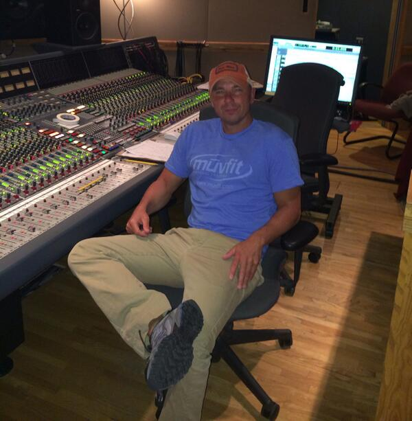 In studio working on new album. Can't wait for everyone to hear the new music. http://t.co/vSgphWPIpa
