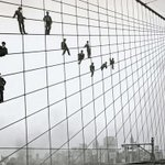 Painters on the cables of the Brooklyn Bridge, 1914 http://t.co/yVLOe0MBFn