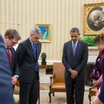 President Obama observes a moment of silence to honor victims of last years Boston Marathon bombing. #BostonStrong http://t.co/GXpaSA49Dx