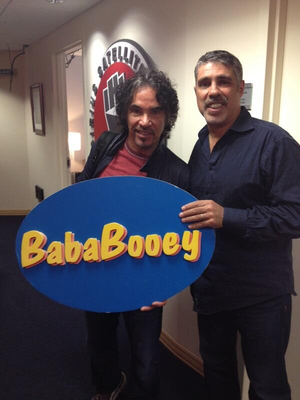 For all those who claim we're the same guy... and you know who you are!  Here's proof! @robertAbooey  #bababooey http://t.co/otz4sUG0AW