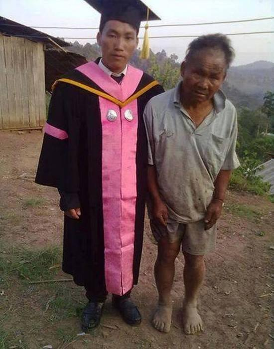 This poor farmer supported his son through college. On graduation day, the son said his father was his biggest pride. http://t.co/eFOwBf1ddz