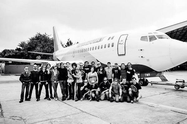 .@BUNBURYoficial finaliza exitosa gira por Latinoamérica y se prepara para visitar los EU! - http://t.co/PBo8198MAl http://t.co/SIVhFZQvmA