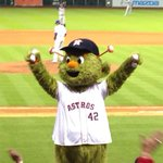 RT @astros: Leadoff single for Matty D. Must have been @orbitastros 7th Inning Stretch magic! #Astros http://t.co/jcibz1tytN