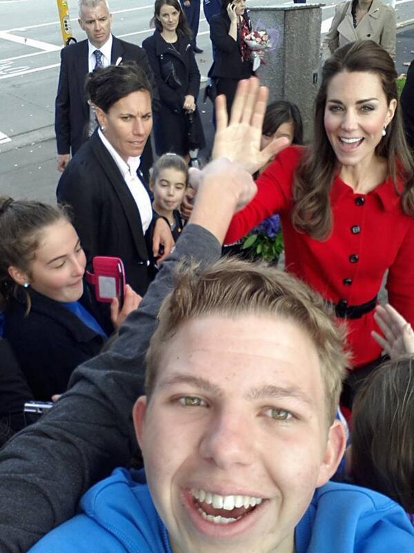 "Photo bombed by Kate ""@LuluInThePalace: AMAZING selfie #RoyalVisitNZ #royalselfie #@gogabbynz #oneselfie http://t.co/rGw3UK5YqJ"""""