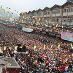 RT @MukulAgarwal66: RT @Jorebungley: Dedicated 2 @ndtv which claimed @BJP4India wont win 1 seat in WB, this is a BJP rally in Gorkhaland http://t.co/laCWdUy0oC