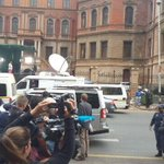 #OscarPistorius arriving at court @MarykeVermaak @Jacanews http://t.co/5QzuERiQcy