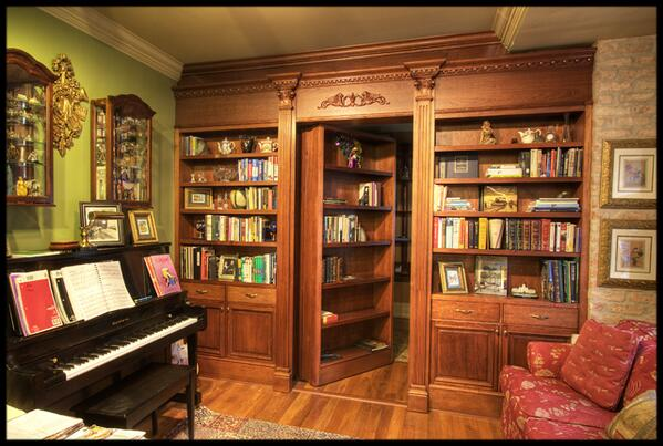 18% of bookshelves conceal a hidden passageway. Of these, over half are unknown to their owners. #YouBetterCheck http://t.co/EoNH2gtexs