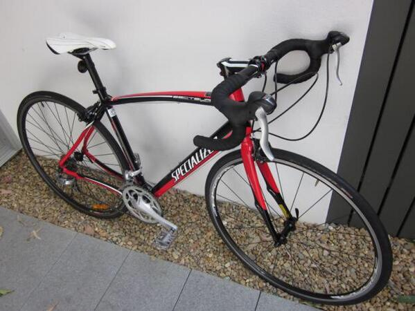 Oi Belfast, keep an eye out. Stolen last night. RT @furiousniall: My bike looks like this, I'd love it back. http://t.co/BE0d40yETr