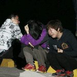 "RT @seungyongri: ""A relative weeps as she waits for missing passengers of sunken ferry."" My heart is breaking. ╥_╥ #PrayForSouthKorea http://t.co/rotEUdfbar"