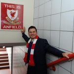 Exclusive: @GraemeSmith49 on his 1st visit to Anfield and Stevie G by @1stLadyOfFooty: http://t.co/jjsmkv71hf #LFC http://t.co/jdK89bjt5O