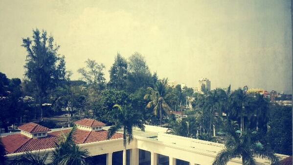 Hello El Salvador! I'm so glad and happy to be back! See you tonight in San Salvador! Can't wait! :o) http://t.co/mDL1VLEaLp