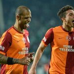 FOTO | @_felipemelo_ ve #AlexTellesin final mutluluğu... http://t.co/tQ5yy7cU6D