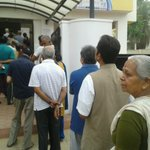 RT @ShylajaVarma: Twenty minutes into polling & its mostly senior citizens at this polling booth in #Bangalore North @ibnlive @ibncj http://t.co/Awx5hCRIcU