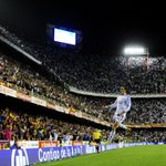 Gareth Bale stunner settles Copa del Rey final as Real Madrid beat Barcelona 2-1: http://t.co/Mo8Wj7Bg0N http://t.co/sruceF5Las