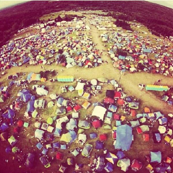 Great camping photo, RT if you used those port-o-poties #teamgrouphug http://t.co/nK1lIq1pwc