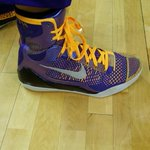 Good choice RT @DuranSports: #Lakers Jordan Farmer with purple and gold #Kobe 9 in last game of season http://t.co/BkbrcziTyi