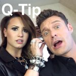 RT @RyanSeacrest: This is what happens when @ddlovato and I hang out #idollive http://t.co/NnANiSTX7H