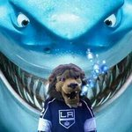 RT @BaileyLAKings: Look at what the @SanJoseSharks fans are doing... I LOVE IT! rivalries make the playoffs fun! Keepem coming http://t.co/EZbgml9NqV