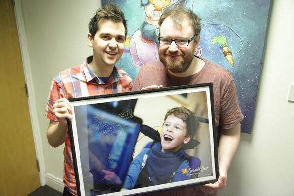 A little thank you presented to @SimonHoneydew and @YogscastLewis and the @yogscast :-) http://t.co/kcTwIe826V