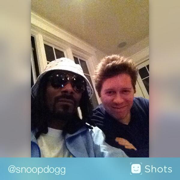 Check out @SnoopDogg's #selfie on @shots http://t.co/13trk6zPWj http://t.co/n0OZeQ3Ye2