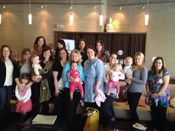 What a fabulous #momsbrunchclub group!! #Stratusphere Yoga Studio @wallis4wellness @trishstratuscom http://t.co/HItADiJ2wb