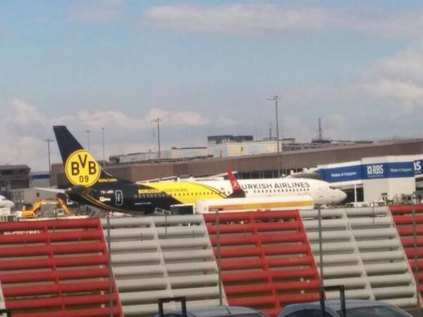Did you spot the @BVB branded @TurkishAirlines plane at Edinburgh Airport today? http://t.co/6Sg735Xkz5