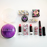Im giving away the Anna Sui Beauty Spring Collection! To enter, follow @davelackie & RT http://t.co/IG7NktijU2